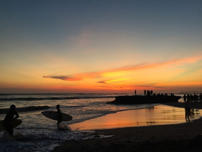 Sonnenuntergang Batu Belong Beach Canggu